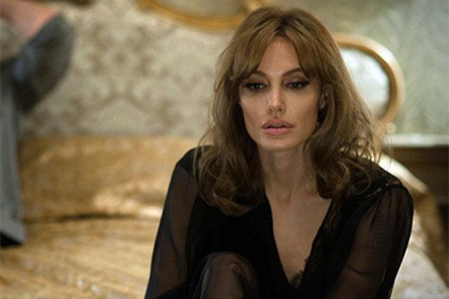 Анджелина Джоли рассказала, с кем изменил ей Брэд Питт