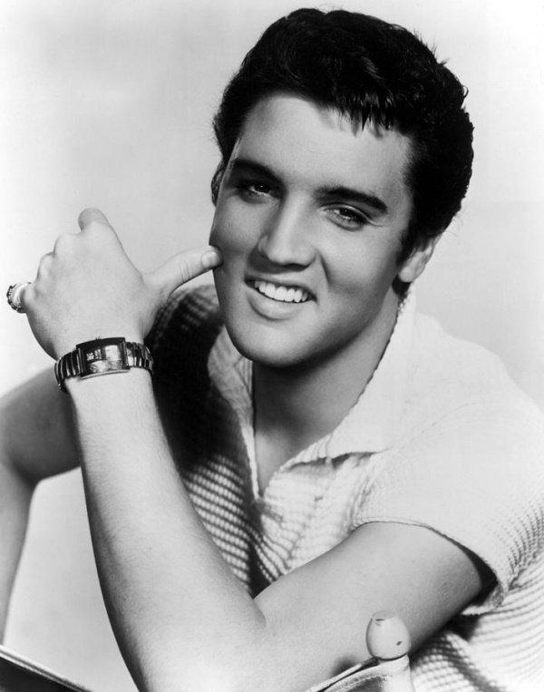Оказывается, Элвис Пресли покончил с собой!