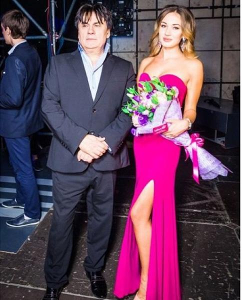 В семье певца Александра Серова разразился скандал из-за внебрачной дочери